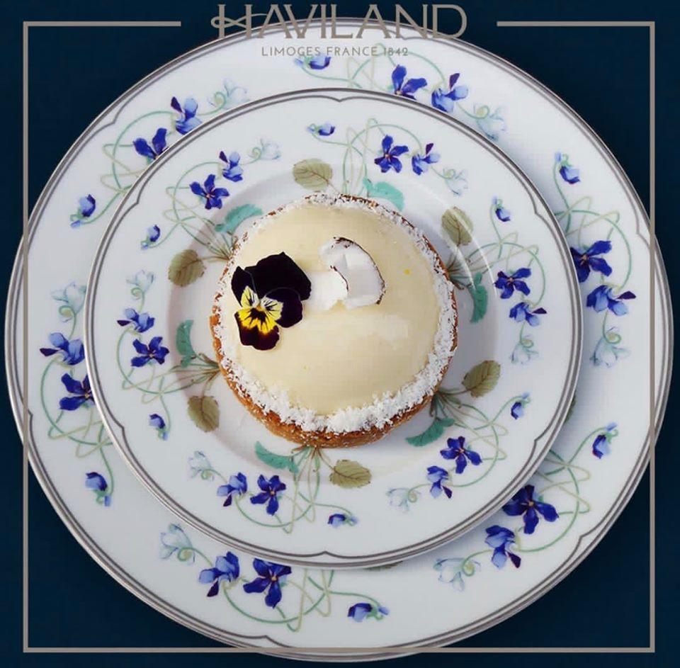 スミレ柄の食器「アンペラトリス ウジェニー(ユジェニー皇妃)」
